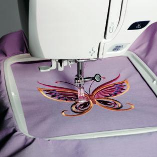Elna - United Kingdom - Embroidery - eXpressive 820 (Elna 8300)